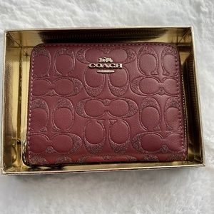 COACH BOXED GLITTER SIGNATURE ZIP AROUND WALLET